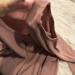 Pullover Open Shoulders